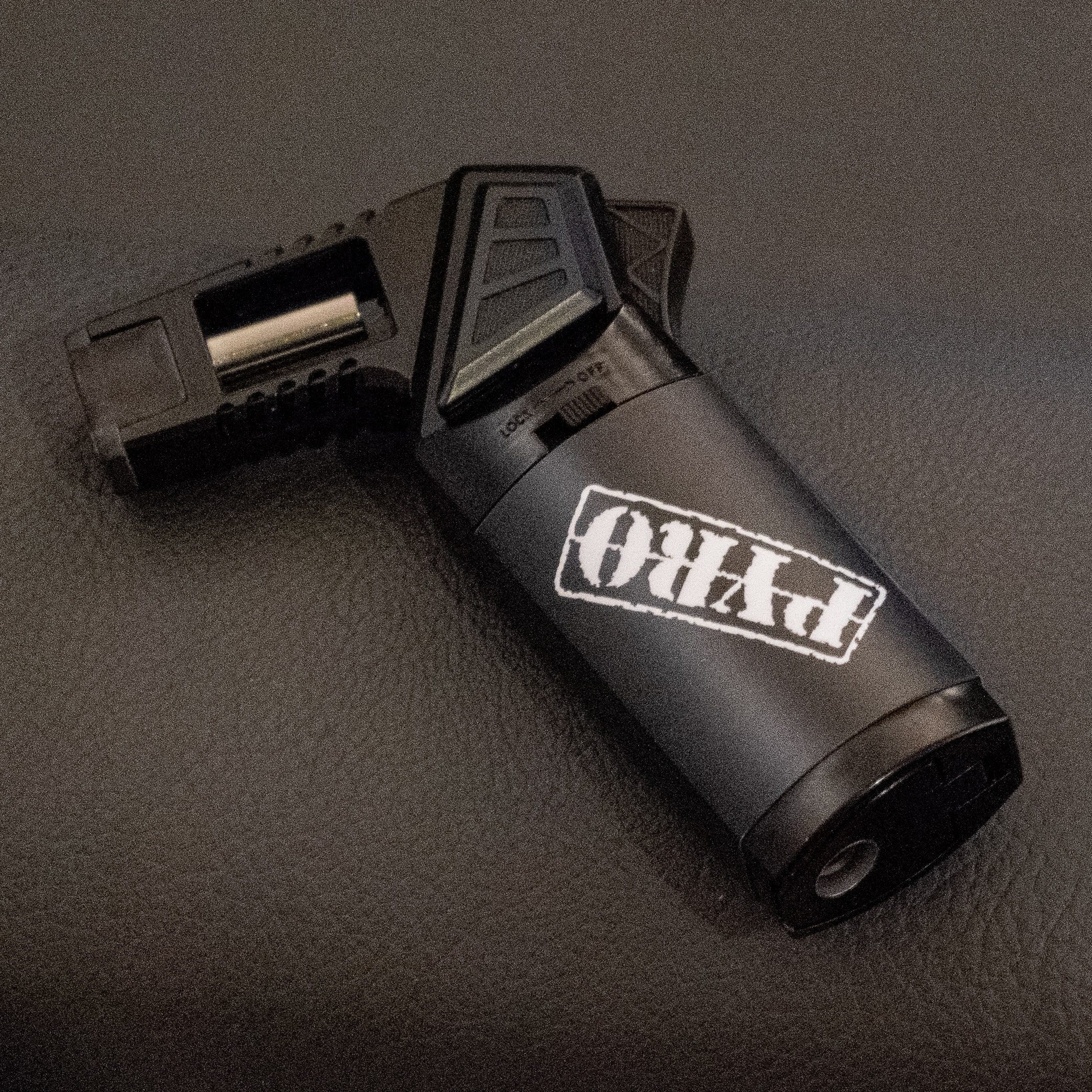 Pyro all Black NEW - Metal Torch